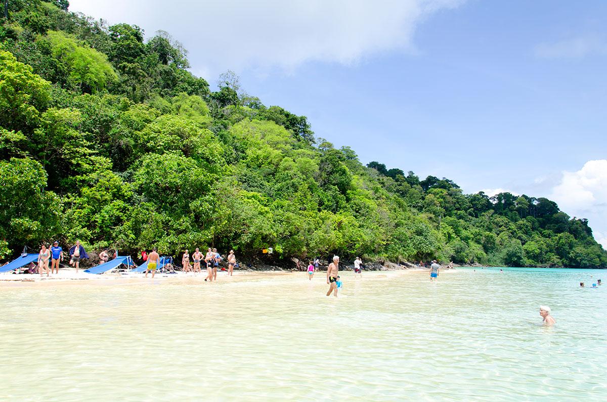 Ø i Ansamanerhavet