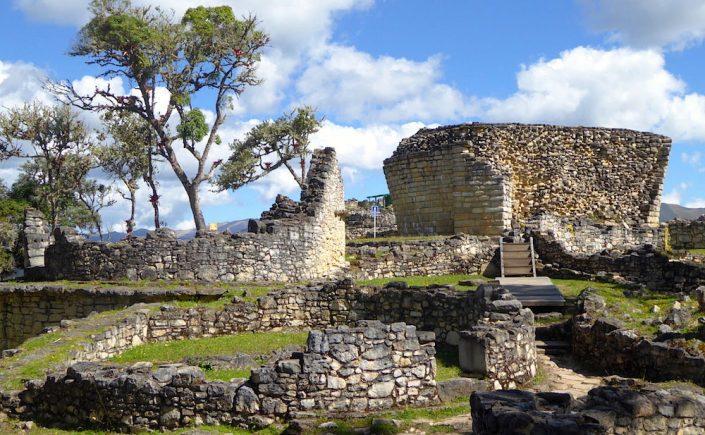 Inkaruinen Kuelap i Peru