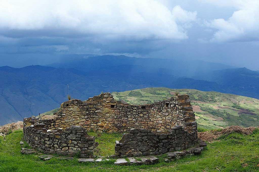 Ruinen Kuelap i Chachapoyas-regionen i det nordøstlige Peru.