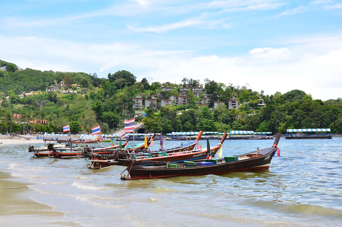 Patong stranden på ferieøen Phuket i Thailand.