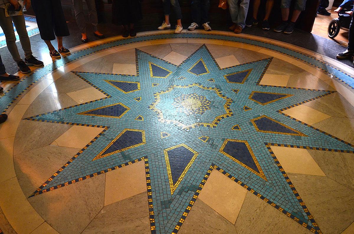 Gulvet-i-Freemasons-Hall-i-London