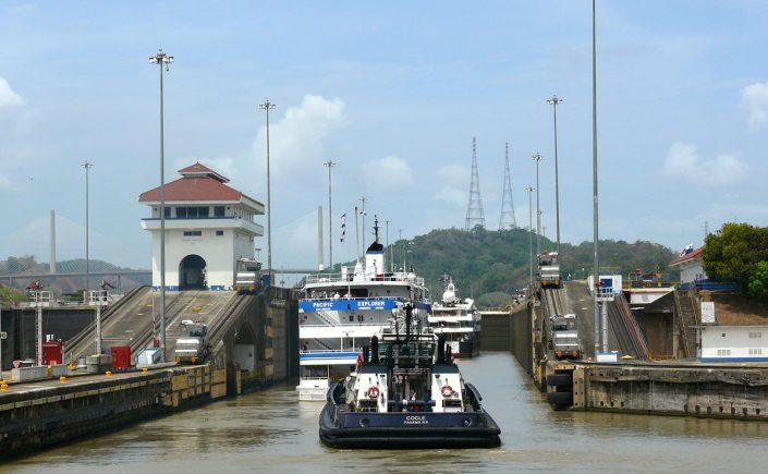 Indsejlingen-til-Panamakanalen1