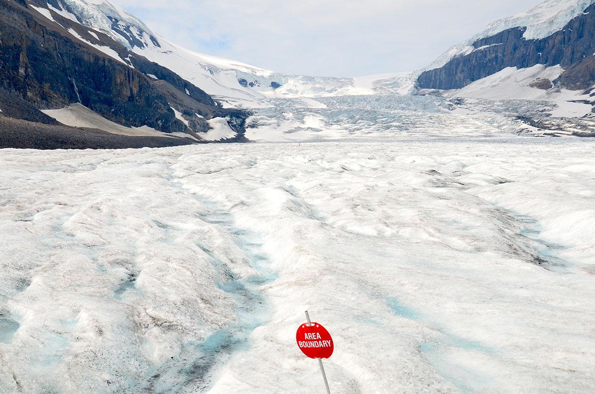 Midt på gletsjeren i Columbia Icefields i Canada