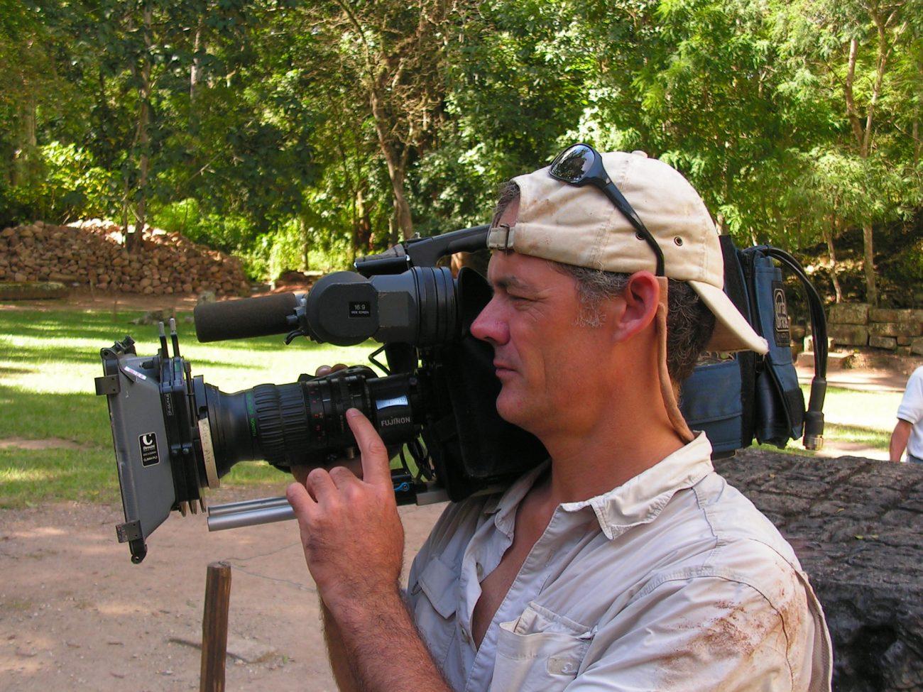 Kameramand ved Copán-ruinen