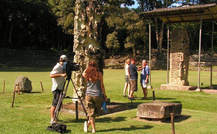 Steler på den centrale plaza i Copán-ruinen i Honduras
