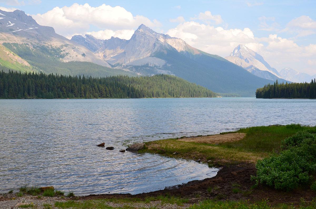 Ro og fred i naturen omkring Maligne Lake